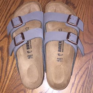 New (no box) Birkenstock Arizona Sandals 42 R